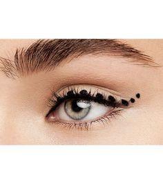 Make-up: 10 stylish ways to wear the eyeliner Dots line, for an original eyeliner Make-up: 10 stylis Edgy Makeup, Makeup On Fleek, Beauty Makeup, Eyeliner Make-up, Eyeliner Styles, Bronze Makeup, Make Up Art, Bridal Hair And Makeup, Makeup Blog