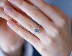 Yeşil mavi safir tektaş yüzük. Farklı evlilik teklifi yüzükleri. Tasarım tektaş modelleri. Ince zarif ve vintage yüzük. Sapphire ring. Vintage designs