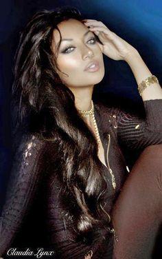 Claudia Lynx. Persian makeup