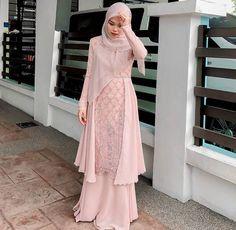 Dress Brokat Muslim, Dress Brokat Modern, Kebaya Modern Dress, Dress Pesta, Muslim Dress, Long Dress Fashion, Modern Hijab Fashion, Batik Fashion, Muslim Fashion