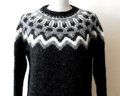 Beautiful sweater Icelandic / Original / Lopapeysa by ArtJak1