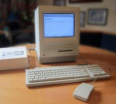 Apple Macintosh SE #retro #computer #1980s