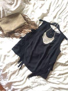 Des franges #franges #sac #taupe #top #noir #black