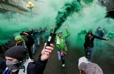 Sounders march to match 2014 | Fans 'March to the Match' Ahead of MLS Season Opener - NBC News