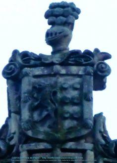 Escudo Guntín-Castro En la esquina de la calle Cardenal Quiroga con la calle del Progreso de Ourense, en el Edificio Espada, encontramos el escudo heráldico de Doña Benita Guntín Castro, viuda de Luis Espada Noboa (Promotor Fiscal del Juzgado de Verin).