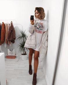 Oversized tshirt dressing is the only way for today after yesterday... link to it in my bio @missyempire