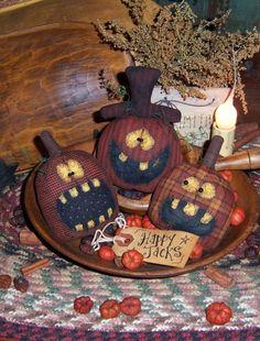 PatternMart.com ::. PatternMart: Patti's Ratties Halloween Pumpkin Ornies Pattern PM348