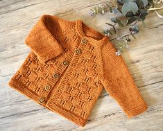 Free Double Knit Baby Cardigan Patterns Our Favorite Free Ba Sweater Knitting Patterns. Knitted Baby Cardigan, Baby Pullover, Cardigan Pattern, Baby Boy Knitting Patterns, Baby Clothes Patterns, Knit Patterns, Sewing Patterns, Easy Knitting, Creative Knitting