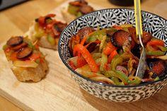 Poêlée dinguissime de chorizo vegan aux poivrons : http://www.lagrignoteuse.com/2015/10/29/54/