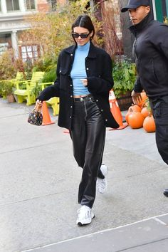 december 2019 New York, Kendall Jenner Outfits, Kendall Jenner Mode, Model Outfits, Cute Outfits, Fashion Outfits, Womens Fashion, Kendalll Jenner, Modell Street-style, Jeans Boyfriend