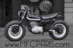 Vintage Moped, Vintage Motorcycles, Custom Motorcycles, Custom Bikes, Cars And Motorcycles, Kawasaki Cafe Racer, Moto Scrambler, Scrambler Custom, Custom Cafe Racer