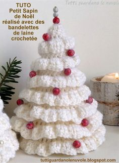 Tutti guardano le nuvole: All my posts looks at the clouds: Christmas TreesChristmas is around the corner, so I'm bringing you some ideas as Christmas Trees.Little Christmas baubles in crochet wool, Christmas decorations, …Crochet this ea Knit Christmas Ornaments, Crochet Christmas Decorations, Christmas Tree Pattern, Crochet Decoration, Crochet Christmas Ornaments, Christmas Knitting Patterns, Holiday Crochet, Alternative Christmas Tree, Tree Patterns
