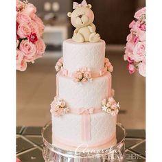 #mulpix Bolo do final de semana! Amei essa ursinha! E vocês, o que acham desse bolo?!  #bolosdoramon  #ramonserpa   #ursinha  #bolodemenina  #cake  #bolo  #pastel  #girlscake  #cakedesign  #itajai  #bolosdecorados  #boloinfantil  #festademenina