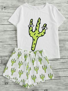 Shop Cactus Print Tee And Shorts Pajama Set online. SheIn offers Cactus Print Tee And Shorts Pajama Set & more to fit your fashionable needs. Lazy Day Outfits, Cute Comfy Outfits, Girly Outfits, Cute Pjs, Cute Pajamas, Pajama Outfits, Pajama Shorts, Yoga Shorts, Cute Fashion
