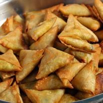 Moong Daal Samosa Recipe - Have had enough of aloo filled samosas? Then try making these moong dal samosas at home. Savory Snacks, Easy Snacks, Yummy Snacks, Yummy Food, Veg Recipes, Indian Food Recipes, Vegetarian Recipes, Cooking Recipes, Samosas
