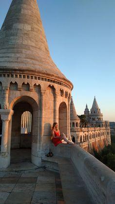 Szülinapfelkeltézésem a gyönyörű Halászbástyánál. =) - Oszlánszki Marcsi - Budapest, Louvre, Tower, Building, Travel, Viajes, Computer Case, Buildings, Towers