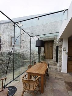 Conservatory dining terrace rustic glass room industrial modern Source by greenvamom Style At Home, Exterior Design, Interior And Exterior, Conservatory Kitchen, Modern Conservatory, Conservatory Extension, Glass Extension, Glass Room, Glass Boxes