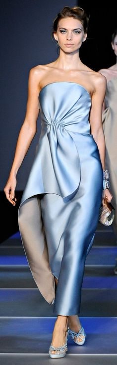 Giorgio Armani - Mode prêt à porter - Haute couture - Giorgio Armani Giorgio Armani, Fashion Moda, Runway Fashion, High Fashion, Fashion Art, Spring Fashion, Beautiful Gowns, Beautiful Outfits, Gorgeous Dress