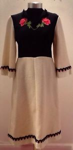 Vintage Rare 1960s Embroidered Knit WoolBlend Handmade Dress Size 10/Small 12 UK