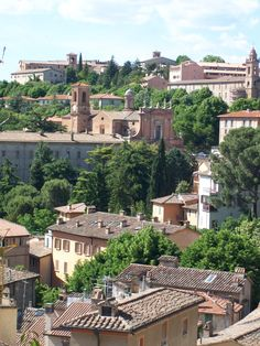 Just another Italian beauty no? Vacation Destinations, Dream Vacations, Places Around The World, Around The Worlds, Perugia Italy, Regions Of Italy, Italian Beauty, Need A Vacation, Exotic Places