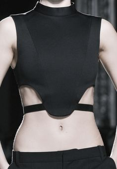 Black Structured Top - graphic minimalist fashion details // Barbara Bui