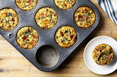 Need the perfect early tailgate food? These Individual Spinach and Bacon Quiches should do the trick! Breakfast Tailgate Food, Turkey Breakfast Sausage, Breakfast Bites, Breakfast Recipes, Healthy Dishes, Healthy Recipes, Ground Turkey Burgers, Bacon Quiche, Pork Bacon