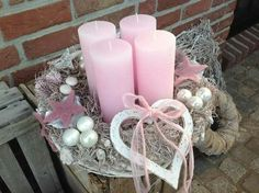 Filling Your Home with Favorite Christmas Scents- Pink Candles - Weihnachtsdekoration Centerpiece Christmas, Christmas Advent Wreath, Christmas Scents, Christmas Candles, Pink Christmas, Xmas Decorations, Christmas Time, Christmas Crafts, Advent Wreaths