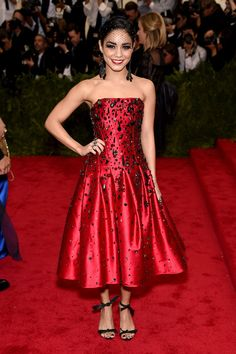 Vanessa Hudgens | Here's What The Stars Wore To The 2015 Met Gala