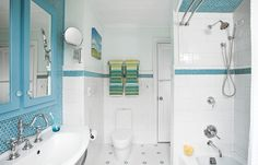 A Faded Bath Gets a Timeless Update