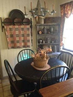 Get the modern farmhouse dining room decor ideas from the table, lighting, chairs, and more. Primitive Dining Rooms, Country Dining Rooms, Primitive Homes, Primitive Kitchen, Primitive Furniture, Country Kitchen, Primitive Country, Country Homes, Colonial Furniture