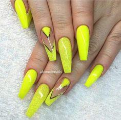 Neon yellow summer lights Acrylics