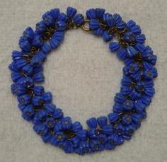 ANTIQUE VINTAGE 1930s BLUE VIOLET CELLULOID LUCITE FLOWER BEADED CHA CHA CHARM BRACELET!