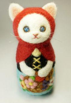 Adorable felted Matroyshka kitty