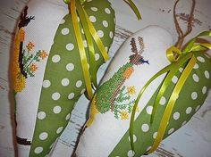 Vyšívané srdiečko so zajačicou_zelené+zelené šaty