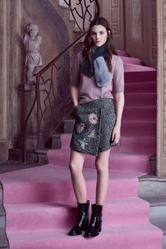See the complete Blumarine Pre-Fall 2016 collection.