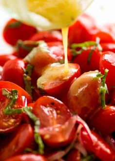 A really great, classic Tomato Salad that makes the most of ripe tomatoes. Sprinkled with basil and tossed with a vinaigrette, use any tomatoes you want! Tomato Basil Salad, Cherry Tomato Salad, Tomato Salad Recipes, Salad Recipes Video, Cherry Tomatoes, Tomato Side Dishes, Veggie Side Dishes, Vegetable Dishes, Side Dish Recipes