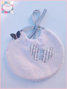Babete da princesa borboleta  Lia <3   + INFO: mimeoseubebe@gmail.com ou mensagem privada   #mimeoseubebe #babete #enxovaldebebe #enxovaldemenina