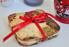 Christmas Print Fabric Coasters- don't you think they'd be the perfect Christmas gift for a colleague, a neighbor or a friend? Fabric Coasters, Christmas Print, Perfect Christmas Gifts, Handmade Bags, Printing On Fabric, Wallets, Gift Wrapping, Boutique, Board