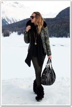 Great snow outfit. Not exaclty my perfect snow outfit, but I love the overall vibe.