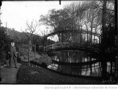 Claude Monet, peintre : dans son jardin : [photographie de presse] / Agence Meurisse