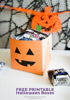 Free Printable Halloween Boxes on iheartnaptime.com #freeprintables