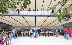 FOSTER + PARTNERS DESIGNED FLAGSHIP APPLE STORE DEBUTS IN SAN FRANCISCO