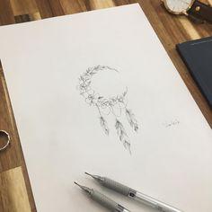 ∥Flower Moon ∥China pink∥ . 패랭이꽃+ 달 + 깃털 . . #illust #tattoo #design #wonseok #tattooist #flowermoon #tattoos #drawing #pen #illusttattoo…