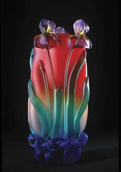 Tommie Rush art glass red and blue vase with purple irises. Art Of Glass, Glass Artwork, Glass Vase, Fused Glass, Stained Glass, Glass Beads, Art Nouveau, Vase Cristal, Glass Ceramic