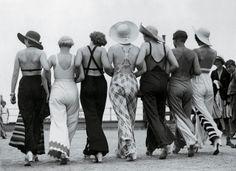 Resultados da Pesquisa de imagens do Google para http://modaspot.abril.com.br/wp-content/galeria/palazzo-pants-estilo-julho/1930.jpg