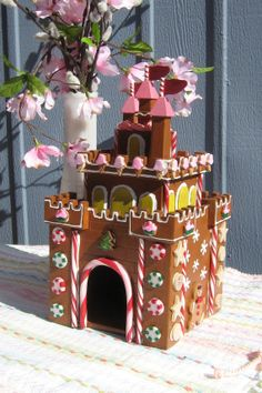 Gingerbread Castle Fairy House by GingerbreadFair on Etsy Gingerbread Castle, Gingerbread House Designs, Gingerbread Decorations, Christmas Gingerbread House, Gingerbread Cookies, Christmas Goodies, Christmas Baking, Christmas Crafts, Xmas