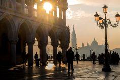 Alba in Piazza San Marco. Venezia sotto Natale