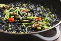 L'arròs negre de La Mar Salada //Web La Mar Salada Barcelona Food, Ethnic Recipes, Viajes, Kitchens
