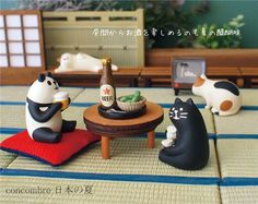 cat with black and brown spots figurine Japan 4