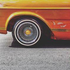 #mooca #distritomooca #lowrider #vidareal #cars #splovers #sp4you #moocaoriginal #domingo #culturalowrider #vivamooca #impala #oldcars #carrosantigos by viniancetti